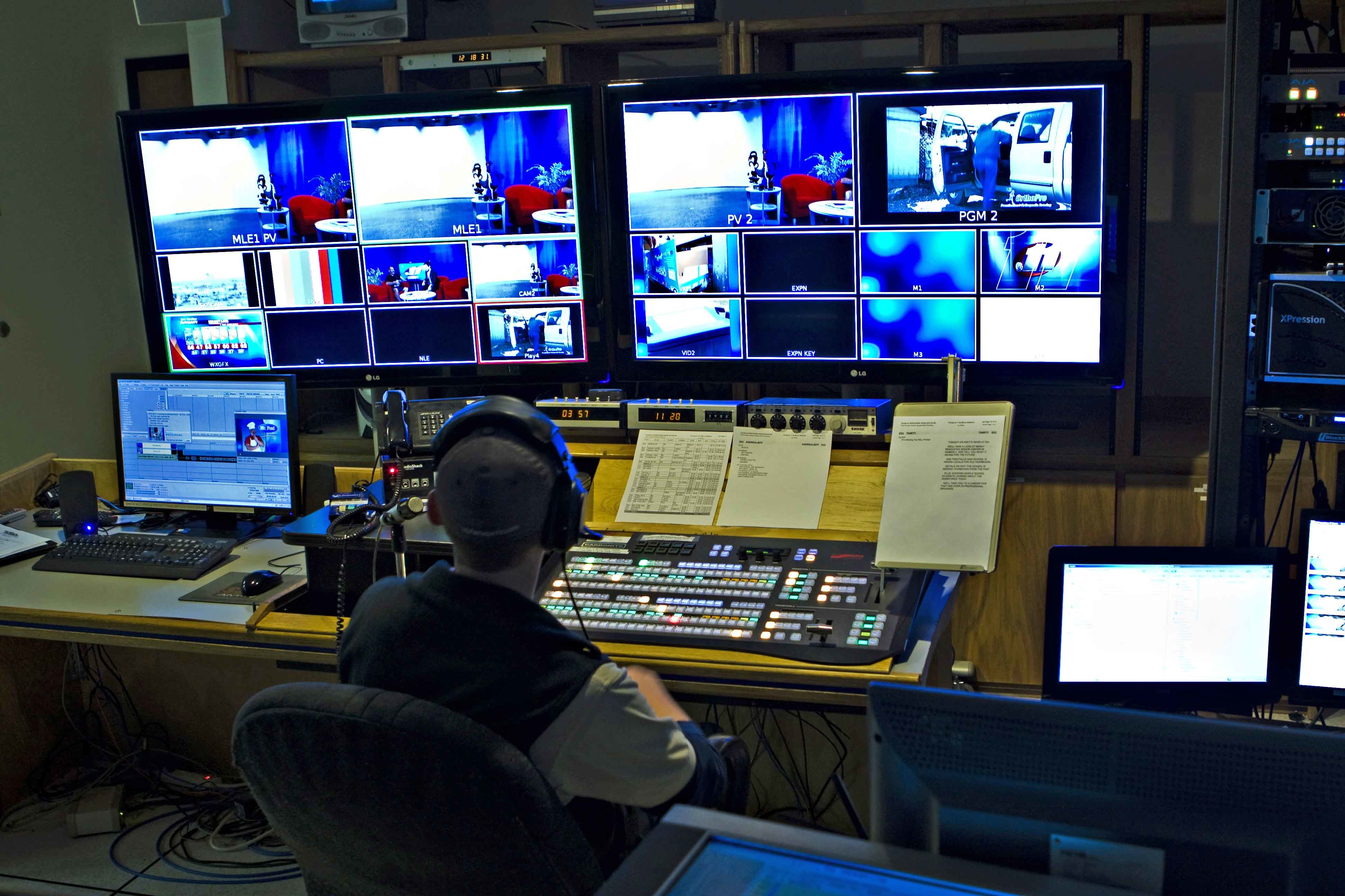 Remarkable TV Production Control Room 3888 x 2592 · 1122 kB · jpeg